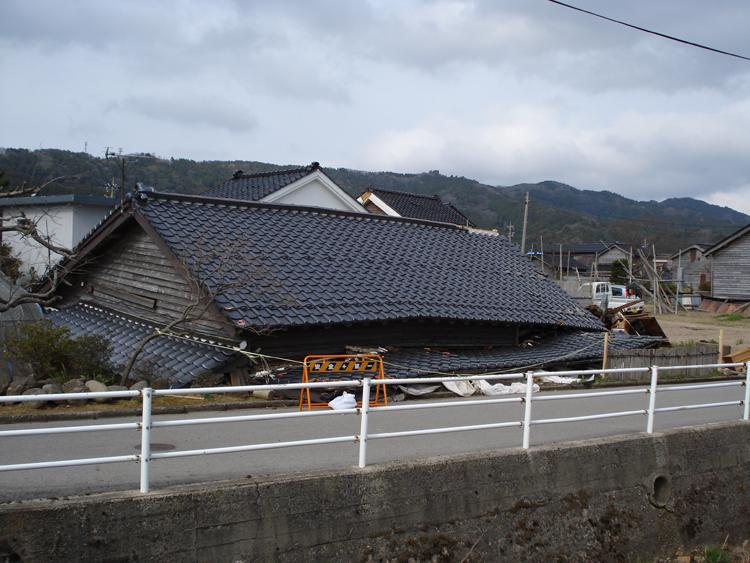 2007年能登半島地震:被害調査・...